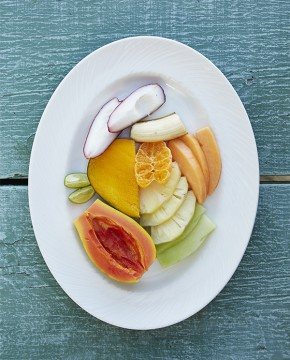Goldeneye Resort: Bizot Bar, Seasonal Tropical Fruit Plate