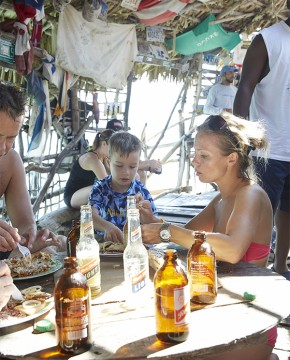 Treasure Beach: Family Having Lunch At Pelican Bar