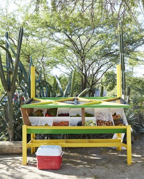 Treasure Beach: Fruit Stand Along Main Road